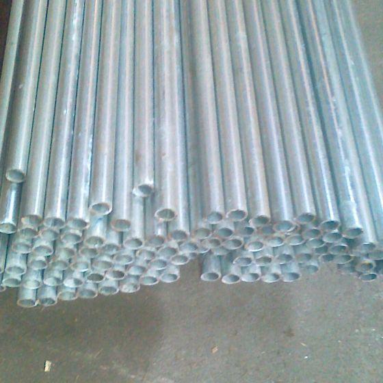 Zaunpfosten 1/2'' verzinkt 130 cm.